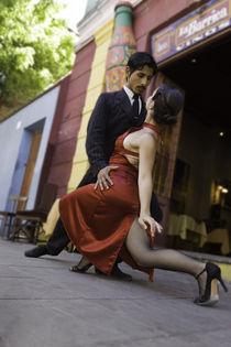 Tango dance couple 1 Buenos Aires La boca von Leandro Bistolfi