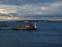 sea lighthouse by rickyss
