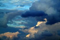 Wolken am Abendhimmel by Werner Schulteis