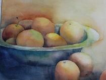 Früchte in einer blauen  Schale von Stefanie Ihlefeldt