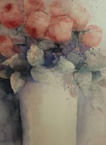 Rosen in Porzellanvase von Stefanie Ihlefeldt