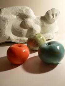 Das Bild mit den fünf Äpfelchen by Reiner Poser