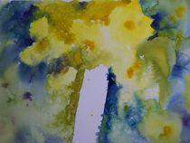 gelber Mohn in weisser Vase by Traudi Bräuninger