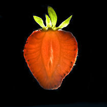 Shining Strawberry von Marcus Finke