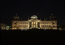 Bundestag Nachts von Dennis Grütter