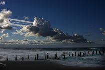 Wolken am Strand 2 von Jakob Wilden