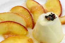 Zimtblüten-Panna Cotta an karamellisierten Äpfeln by lizcollet