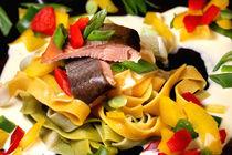 Pasta, Pepper und Pesce | Räuchersaibling an Tagliatelle mit Paprika von lizcollet
