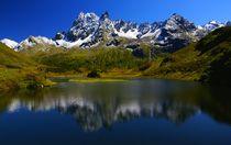 Bergsee mit Insel von Johannes Netzer