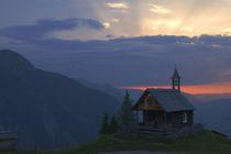 Sonnenaufgang in den Bergen von Johannes Netzer