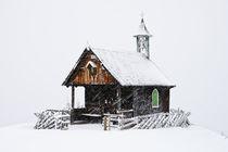 Bergkapelle im Winter von Johannes Netzer