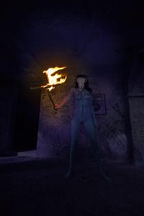 mystischer Frauenakt mit brennendem Kreuz von Johann Frank