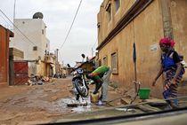 Strasse in Bamako von Walter Vymyslicky