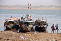 Boote am Niger von Walter Vymyslicky