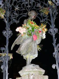 Gänseliesel bei Nacht von Uschy Baumgarten