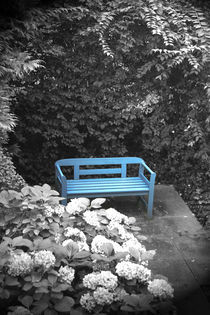 blaue Bank by Gabriela Wejat-Zaretzke