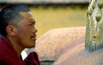 Mönch im Jokhang  by k-h.foerster _______                            port fO= lio