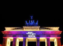 Brandenburger Tor beleuchtet Ausschnitt by rotschwarzdesign