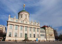 Altes Rathaus saniert schräg von rotschwarzdesign