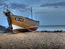 Fischerboot am Strand von vhwdigitalart