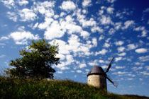 Windmühle mit blauen Himmel und Wolken by Daniel Kühne