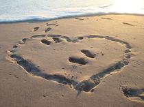 trauriges Herz am Strand von Isabell Krauße