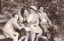 Familienglück in den 50 igern  von Katrin KaciOui