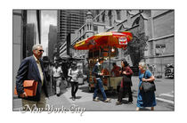 New York City Manhattan mit Schriftzug by Doris Krüger