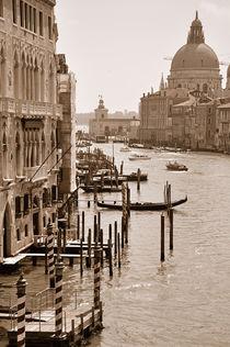Blick auf den Canal Grande in Venedig (Sepia) von Doris Krüger