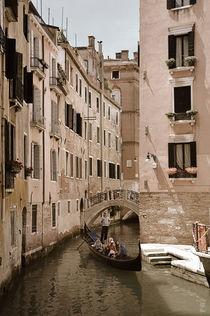 Kleiner Kanal in Venedig (Sepia) by Doris Krüger