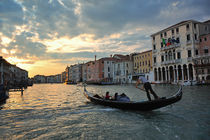 Gondel bei Sonnenuntergang in Venedig von Doris Krüger