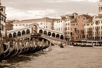 Die Rialto-Brücke in Venedig (Sepia) von Doris Krüger