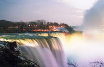 Niagara Falls  by Ria den Breejen