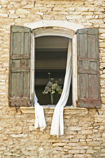 Romantic window by Carinne Gamas