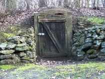 Kriegsbunker - Schutzraum by Beatrice Mock