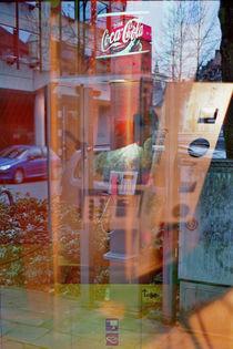 Das Telefon im Getränkeautomat mit Kesselwasser von Corinna Laumeyer