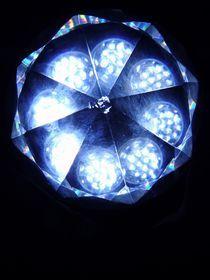 Blaues Lichtmandala by Jürgen Jahn