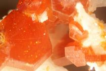 Vanadanit Mineral by amethyst81