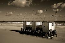 Umkleidewagen am Strand von Michael Guntenhöner
