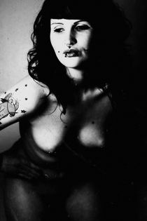 The black and white nude photo von Falko Follert