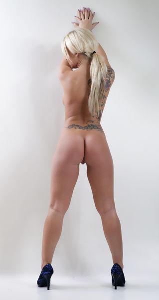 aktmodell po blonde