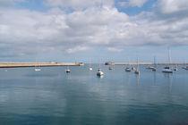 Boote auf spiegelglattem Wasser von julita