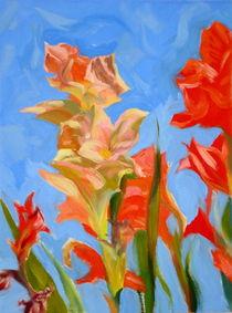 Gladiolen auf dem blauen Hintergrund by Andreas Abel
