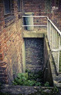 Tonne mit Treppe by Mandy Tabatt