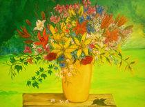 Blumen in gelber Vase by Jürg Meyerholz