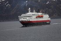 Hurtigrutenschiff MS Richard With  by oktopus4