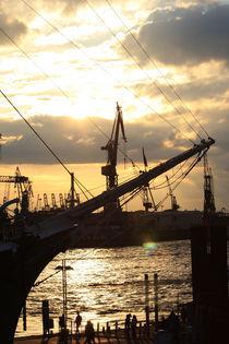 Abends am Hafen by frauwunschpunkt