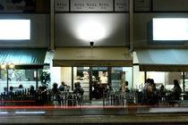 Vorm Cafe von Robert Blum