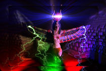 Strahlende Göttin by Cloude Vigal << Grafiknaturearts