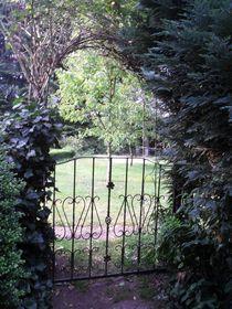 Gartendurchgang by fotozukunft